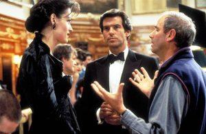 Famke Janssen (l.), Pierce Brosnan (m.) and Director Martin Campbell